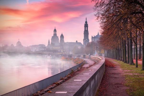 Wandbild Dresden - Stadtsilhouette im Herbstnebel (Motiv 00749)