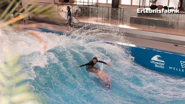 Indoor Surfkurs in Berlin