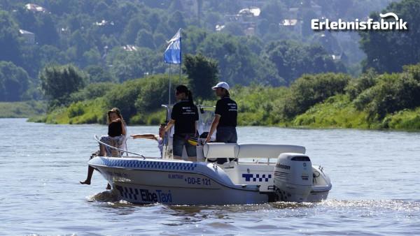 Speedboot Tour in Dresden – Blaues Wunder