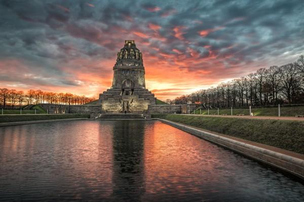 Wandbild Leipzig - Völkerschlachtdenkmal im Sonnenaufgang (Motiv DJ06)