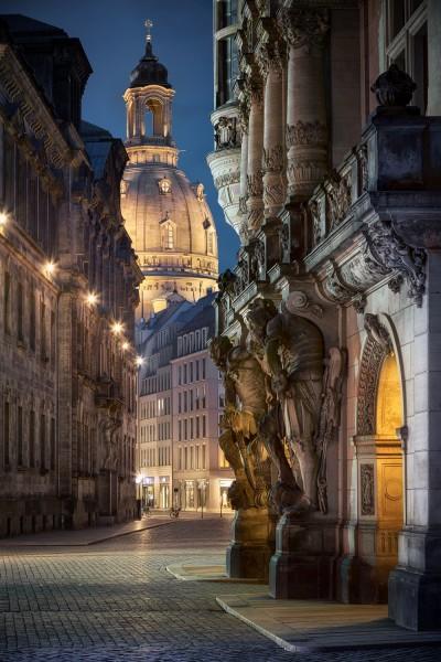 Wandbild Dresden - Augustusstraße zur Blauen Stunde (Motiv 00787)