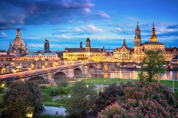 Wandbild Dresden - Stadtsilhouette zur Blauen Stunde (Motiv 00255)