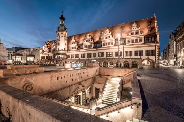 Wandbild Leipzig - Altes Rathaus Leipzig zur Blauen Stunde (Motiv DJ05)