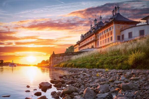 Wandbild Pillnitz - Schloss Pillnitz zum Sonnenuntergang (Motiv 00690)
