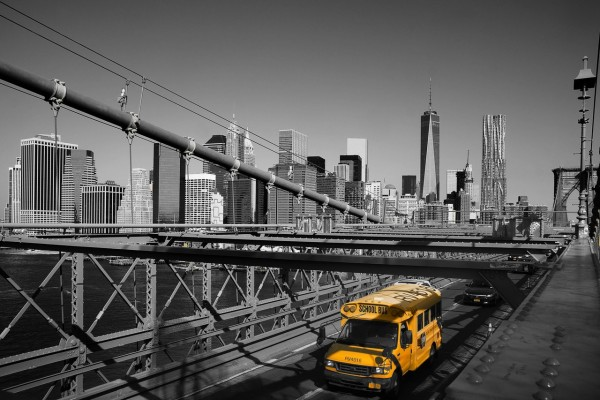 Wandbild New York - Brooklyn Bridge mit Schulbus (Motiv JR05)